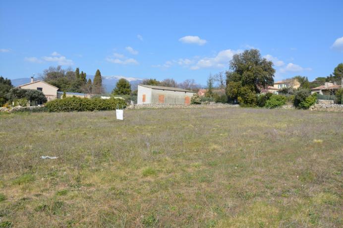 terrein kopen in Zuid-Frankrijk, zicht op de Mont Ventoux, Provence, bouwgrond kopen