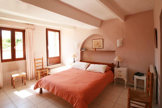 maison de village, 7 pièces a vendre, 2 salles de bain, jardin, terrasse