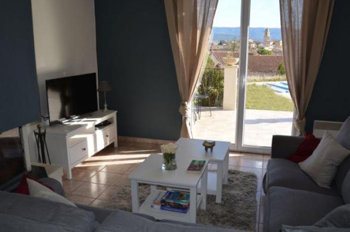 louer une maison de vacances, gîte pour 8 personnes en Provence, au pied du Mont Ventoux, Bédoin, Mormoiron