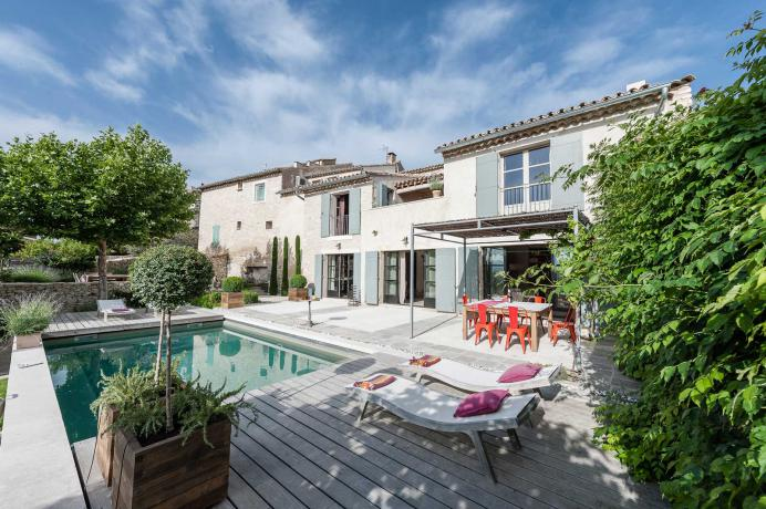 rent a luxury vacation villa in Luberon, Provence, Bonnieux
