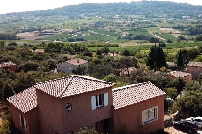 huis kopen in de Provence met zwembad, 3 slaapkamers en 2 badkamers