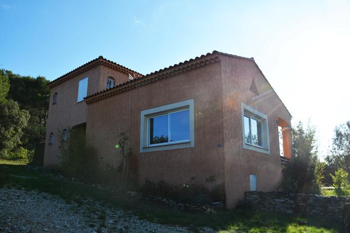 vastgoed kopen provence, te koop villa met zwembad in Zuid-Frankrijk