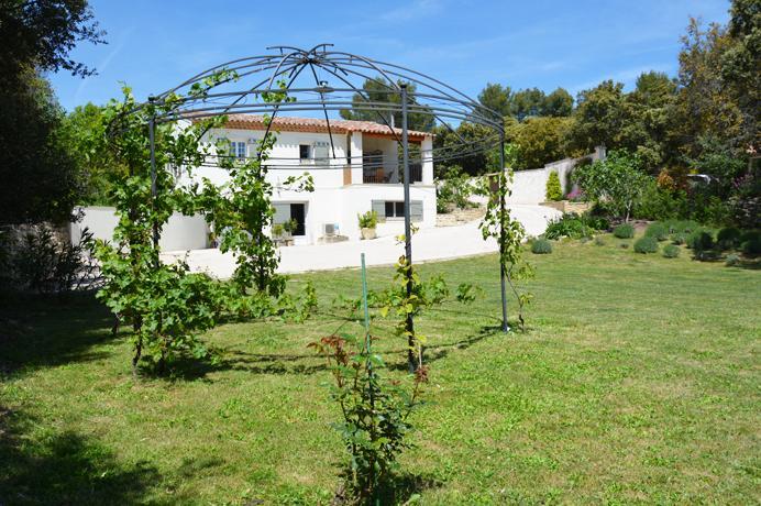 buying a luxury villa in France, Crillon-le-Brave