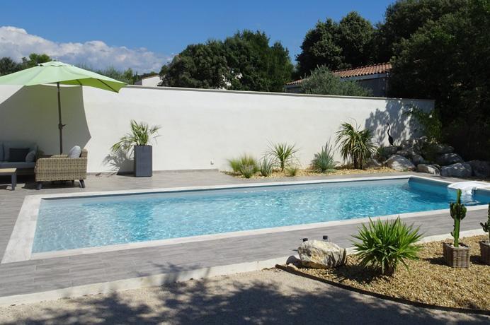 grote villa kopen in Provençaals dorp met tuin, zwembad en buitenkeuken, Provence, Mont Ventoux