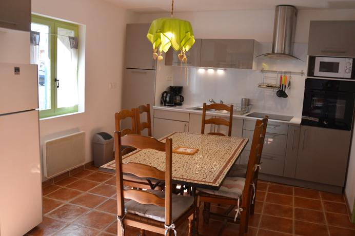 renovated village house in Vaucluse for sale near Mont Ventoux