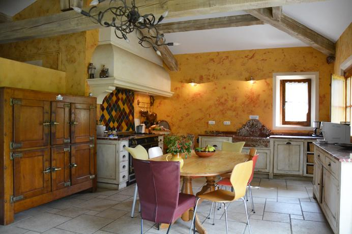 stylish villa for sale in Pernes-les-Fontaines, Provence