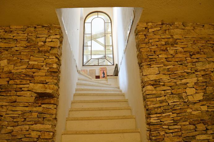 buy villa with wine cellar in Provence