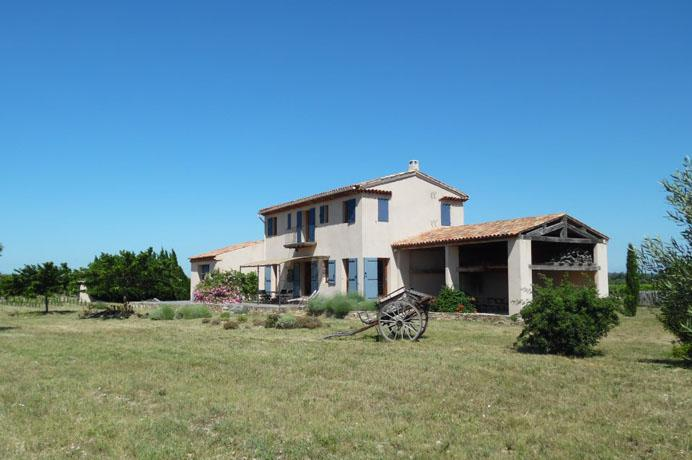 vineyard for sale in Provence with truffle oaks