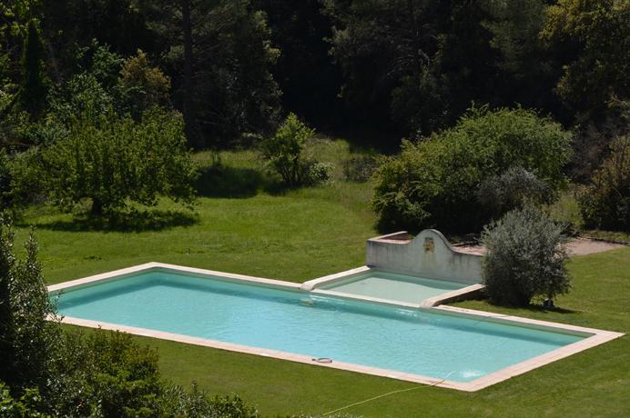 mooi huisje te koop met gemeenschappelijk zwembad in Zuid-Frankrijk, Provence