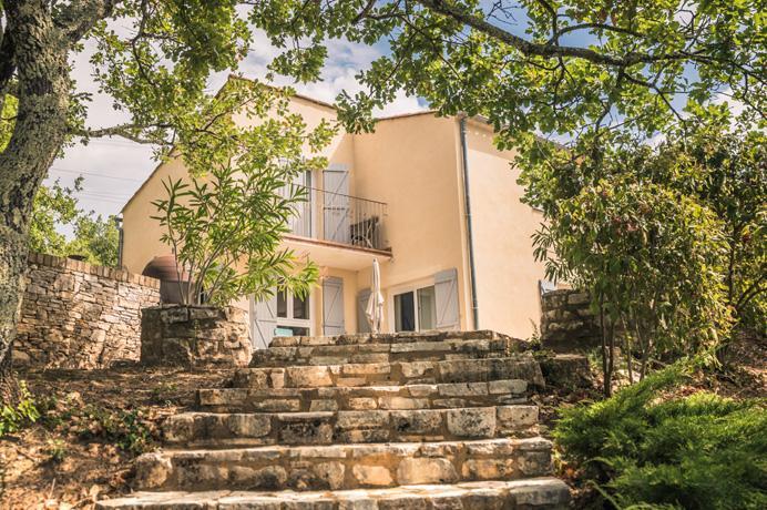 huis kopen in de Provence met tuin, zwembad en rustig gelegen