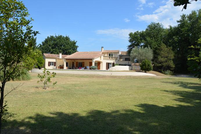 investeren in vastgoed Zuid-Frankrijk, aankoop villa met zwembad in Provence
