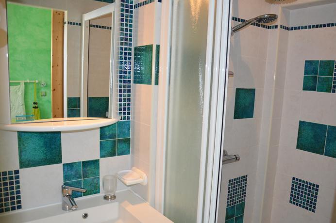 modern huis kopen met verwarmd zwembad en groot poolhouse in de Provence, onmiddellijk instapklaar