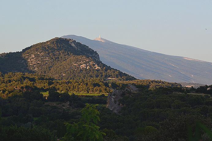 aankoop huis Provence met zwembad en mooi zicht op de Mont Ventoux