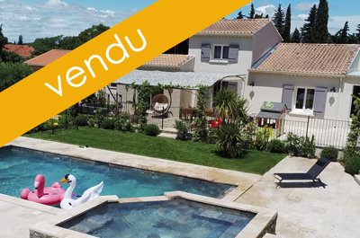 belle et grande villa avec 2 gîtes séparés à aménager, une belle piscine avec jacuzzi et pool house Mont Ventoux, Provence