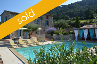 authentic Provencal mas located amidst olive groves and vineyards near Sablet