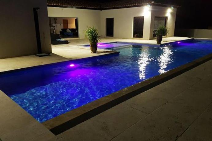 villa de luxe  à louer, location de vacances en Provence, Vaucluse, région Luberon, Mont Ventoux, gîte de France