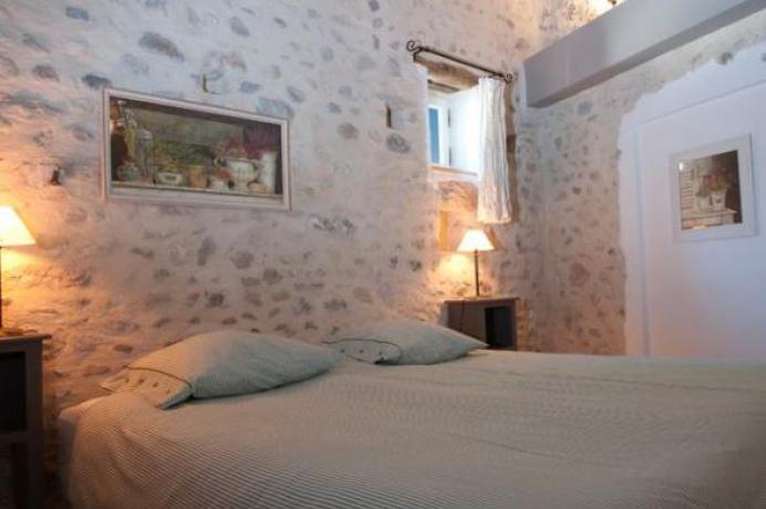 Provence, location villa de luxe à pour 10 personnes, 5 chambres, 5 salles d'eau, piscine chauffée, climatisation