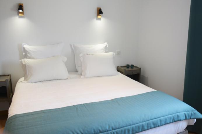 louer une villa de luxe en Provence pour 10 personnes avec vue sur les vignes, climatisation et piscine chauffée