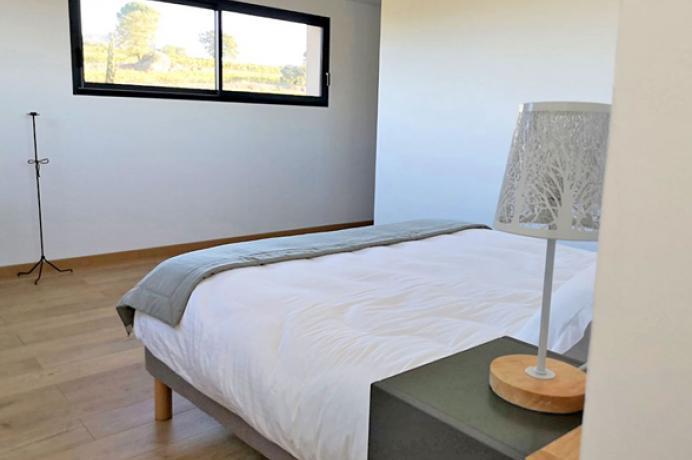 location saisonnière provence vaucluse mont ventoux luberon villa 10 personnes piscine chauffée, climatisation, vue sur les vigne, au calme
