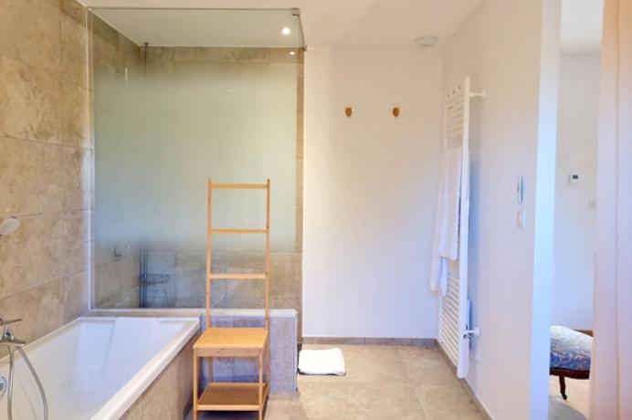 louer une maison de vacances en Provence, Mont Ventoux avec une chambre accessible aux personnes à mobilité réduite