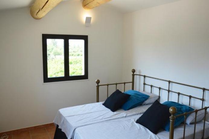 location saisonnière provence vaucluse mont ventoux luberon villa 12 personnes piscine privée
