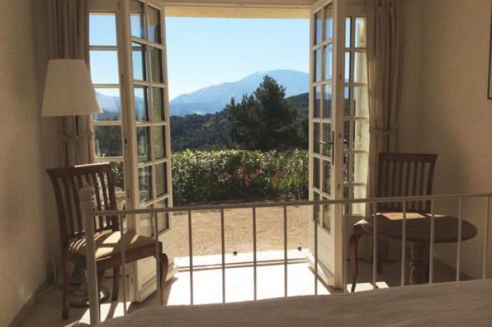 louer gîte, vacances à Vaison-la-Romaine, Vaucluse, vue sur le Mont Ventoux, piscine privée et chauffée