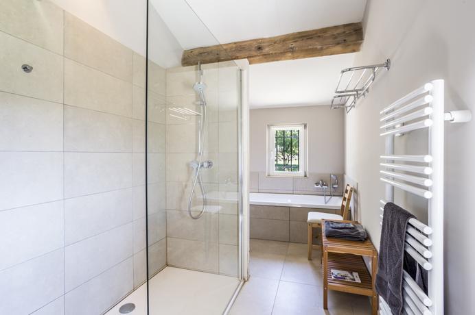 luxe villa te huur in Luberon met veel privacy en groot verwarmd zwembad