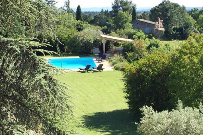 villa avec piscine à louer à Carpentras