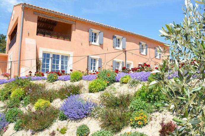 luxe villa te huur in de Provence tussen de wijngaarden