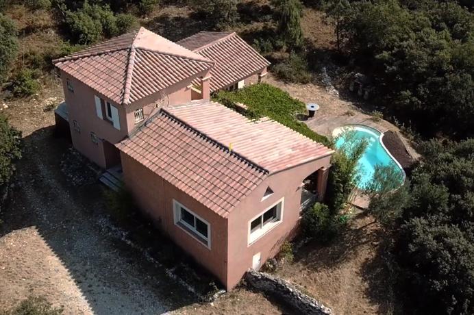 villa kopen in Zuid-Frankrijk met zwembad en schitterend panoramisch uitzicht op de Mont Ventoux