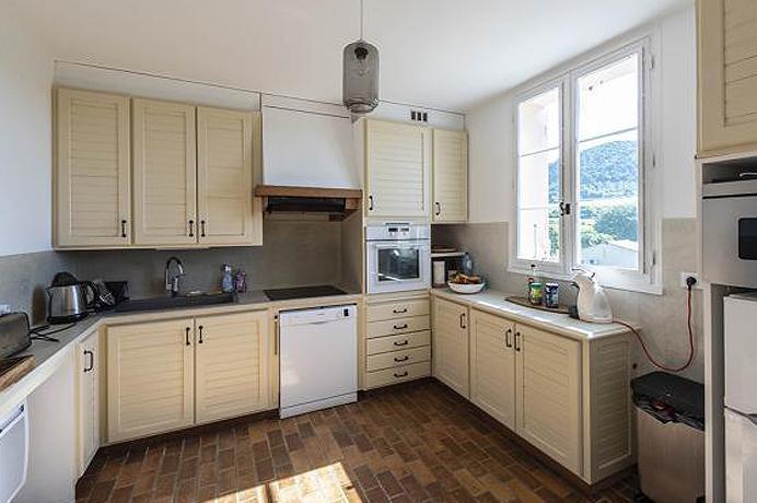 mooi huis met verwarmd zwembad en aparte studio te koop in Zuid-Frankrijk, Provence