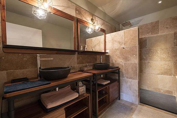 investeren vastgoed Provence, Mont Ventoux, villa met tuin, verwarmd zwembad en prachtig uitzicht op de Ventoux