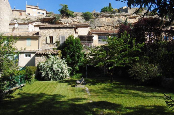 dorpswoning met grote tuin kopen in de Provence, Zuid-Frankrijk bij Belgisch, Vlaams makelaar