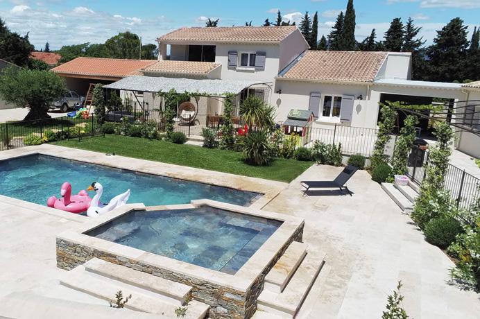 aankoop huis Provence met zwembad en aparte gîtes voor vakantieverhuur
