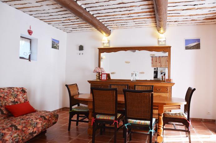 vastgoed provence, dorpswoning met tuin,3 slaapkamers en 2 badkamers