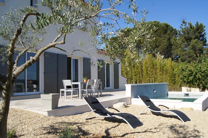 nieuwbouw villa kopen in de Provence, Zuid-Frankrijk met zwembad en zicht op de Mont Ventoux