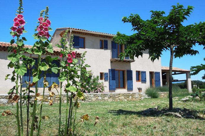 rustig gelegen villa te koop in de Provence tussen de wijngaarden