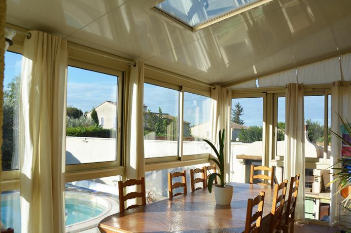 woning kopen in de Provence met  zwembad, veranda en garage