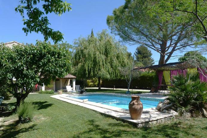 voormalig klooster te koop in Zuid-Frankrijk met grote aparte gîte en zwembad