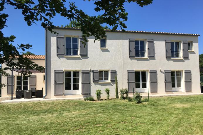 dubbele woonst kopen in Zuid-Frankrijk, gard, Uzès, 2 villa's met grote tuin en verwarmd zwembad