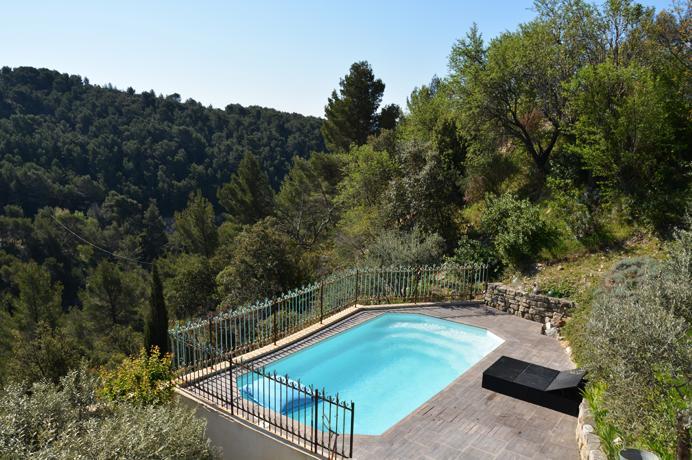 vastgoed kopen Provence, villa met olijfbomen en zwembad