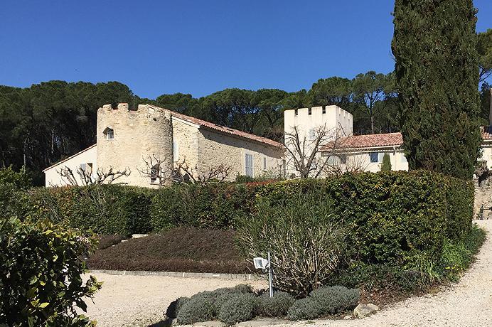 Vastgoed Kopen Provence, appartement op kasteeldomein met prachtig zwembad in Zuid-Frankrijk, Mont Ventoux