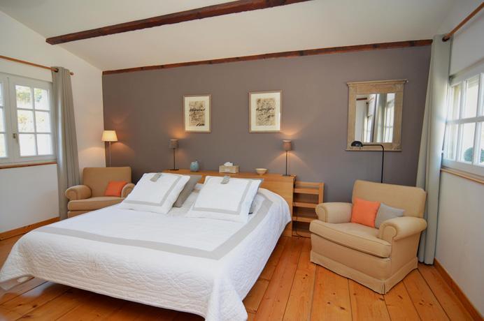 villa avec piscine et court de tennis a vendre, région Gard Uzès
