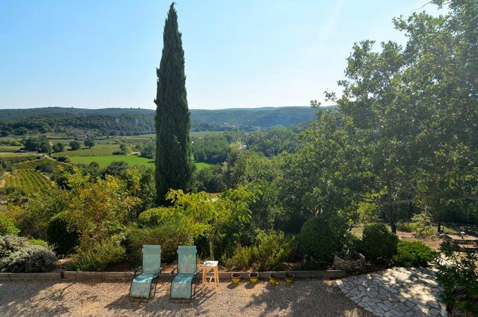 a vendre, grande villa de luxe avec piscine, située Gard Provence Uzès