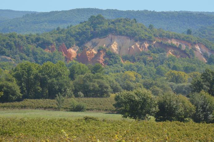 investeren vastgoed Provence, aankoop villa met zwembad en grote tuin van 5000 m²