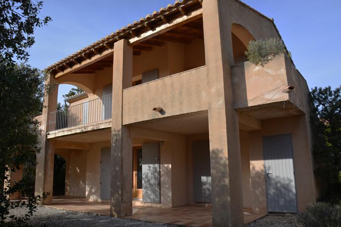 huis te koop in de Provence met prachtig zicht op de Mont Ventoux, privé tuin en gemeenschappelijk zwembad