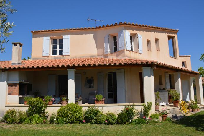 dorpsvilla kopen in Zuid-Frankrijk met tuin en zicht op de Mont Ventoux