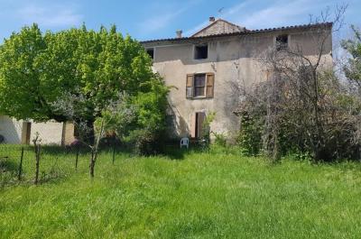te renoveren mas de village met zicht op de Mont Ventoux te koop