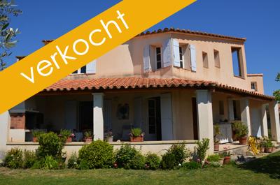 dorpsvilla met tuin, 2 garages en uitzicht op de Mont Ventoux te koop in Zuid-Frankrijk, Provence