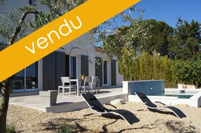 vastgoed huis, nieuwbouwvilla kopen in de provence met zwembad en prachtig uitzicht over de wijngaarden en de Mont Ventoux
